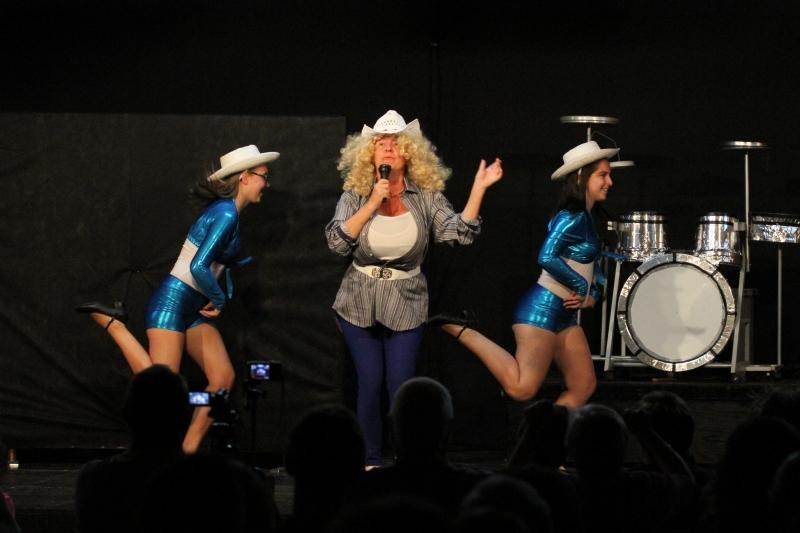 Resplendissante Dolly Parton